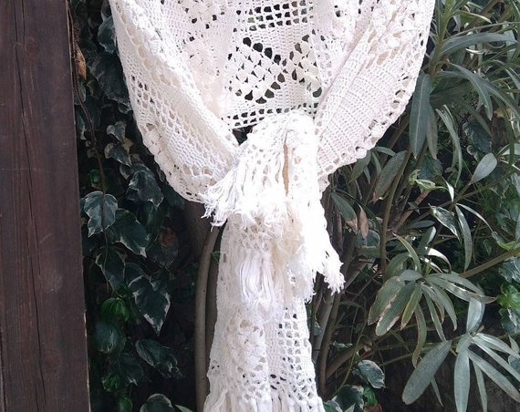 White Cotton Shawl Fringed Vintage French Hand Crocheted Cotton Shawl #sophieladydeparis