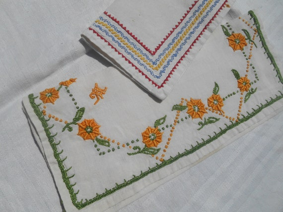 2 Napkin Cases Handmade French White Linen Pouch Yellow Flowers and Geometrics Hand Embroidered Sewing Project #sophieladydeparis