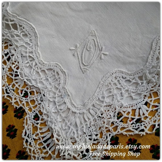 "White Bride Handkerchief ""O"" Monogram Handmade French linen Tissue Bobbin Lace Trim #sophieladydeparis"