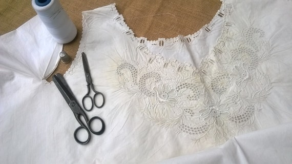 Victorian Art Embroidery Dress White Cotton Collectible Clothing Costume Museum Fashion Process #2 #sophieladydeparis