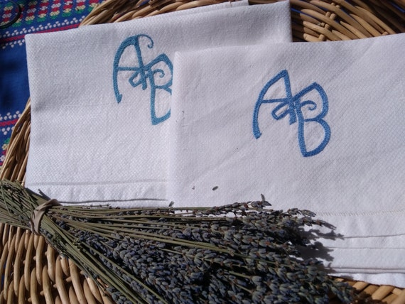 2 Victorian Towels White Damask Blue Monogram Hand Embroidered Antique French Dish Cloth #sophieladydeparis