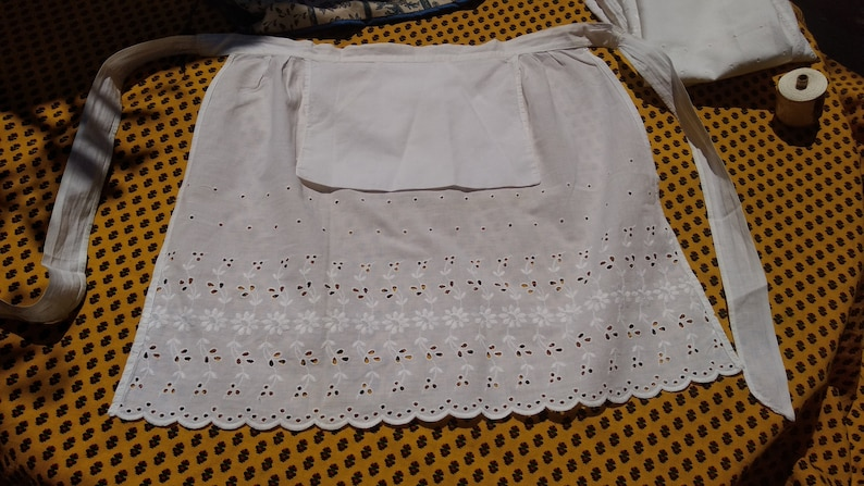 French Vintage White Cotton Embroidered WaitressMaid/'s Apron  Delightful Detailing and Shape  Pretty French Cotton Apron From Paris