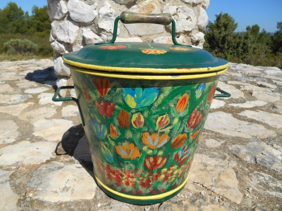 Galvanized Bucket 1880's Victorian French Lidded Green Floral Tulips Hand Painted Wood Handle #sophieladydeparis