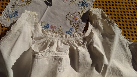 Victorian Dress White Wide Metis Linen Shirt Monogram Ruffled Back French Handmade Nightgown XL #GF1 #sophieladydeparis