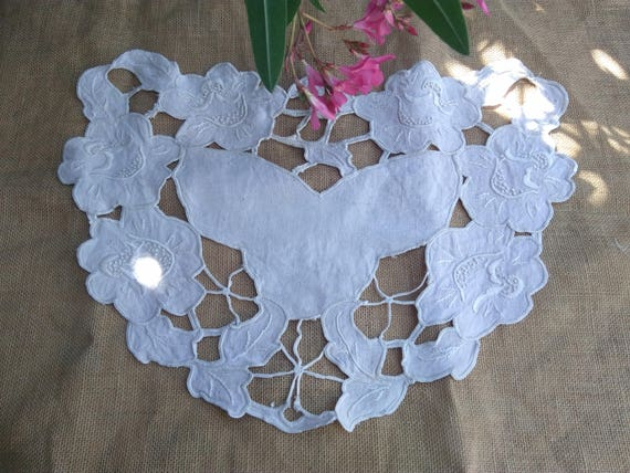 Heart Lace Antique French Beige Linen Doily Hand Embroidered Cut Worked Heart Shape  #sophieladydeparis