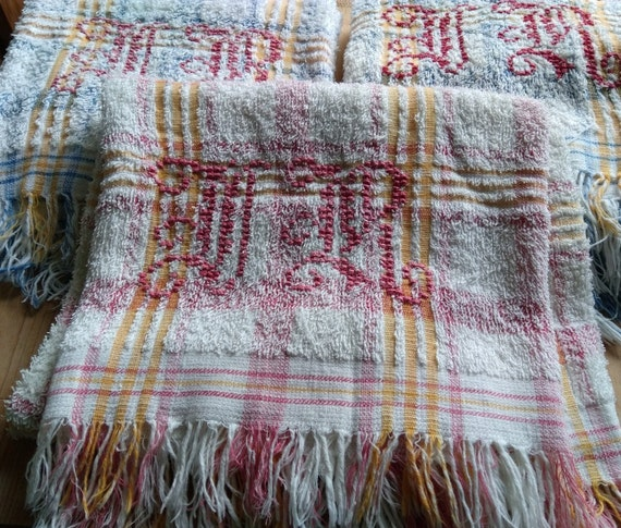 Antique Bath Towel Cotton Sponge Red Yellow Plaid Red Monogram French 1930's Towel Fringed #sophieladydeparis