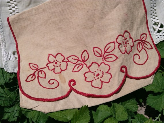 Antique Bag Beige Linen Handmade French Red Work Hand Embroidered Herbal Bag Purse Toiletry Storage Sewing Project #sophieladydeparis
