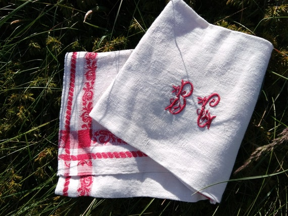 Damask Towel Antique French Dish Cloth Napoleon III Empire Red Floral White Damask Cotton Monogram Hand Embroidered #sophieladydeparis