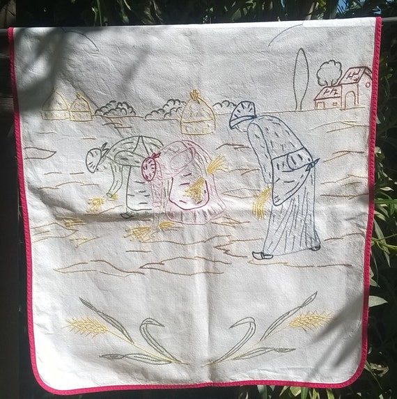 VintagenCurtain Pastoral Kitchen Linen Red Ribbon Embroidered Wheat Harvesting Villagers French Cotton Sewing Project #sophieladydeparis