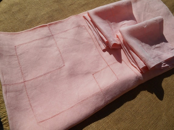 Pink Art Deco Tablecloth Handmade French Metis Linen  6 Matching Napkins Square Cut work Pattern #sophieladydeparis