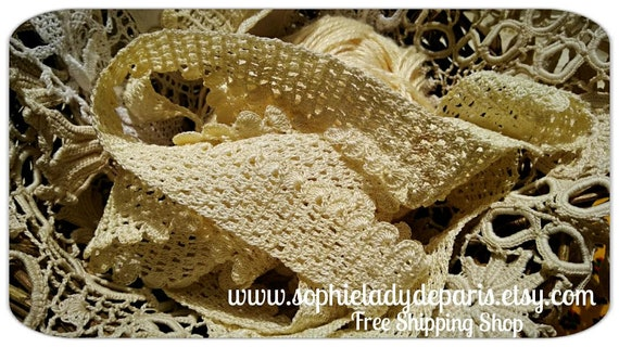 75 in. Vintage French Lace hand crocheted braid French 1960's Tier Lace Trim Edging Sewing Project #sophieladydeparis