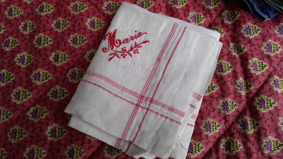 Antique Handkerchief French Women Tissue red and white plaid linen Marie hand embroidered Large Fabric Tissue #sophieladydeparis