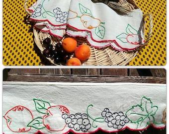 Vintage Fruit French Linen Shelf Edging Unused Café Curtain Home Decor Beige Linen Hand Embroidered Apricot Cherry Grape #sophieladydeparis