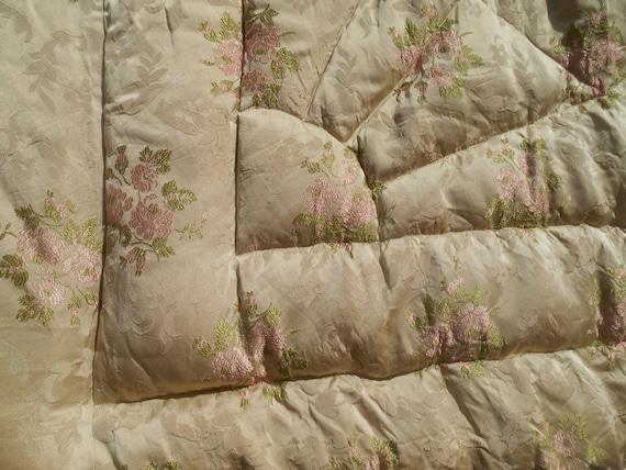 Antique Bedspread French Brocade Beige Roses Silk Mid-Century Coverlet Comforter #sophieladydeparis