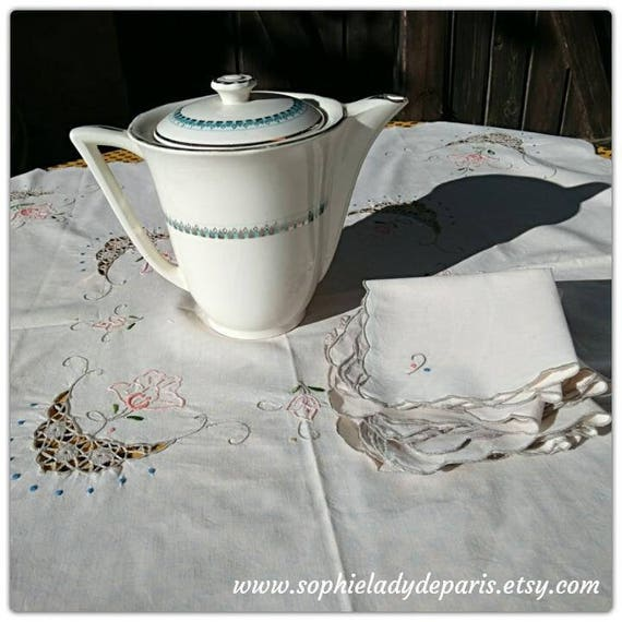 Vintage Tea Tablecloth & 6 Matching Napkins Off White French Linen Floral Lace Inlays Embroideries #sophieladydeparis