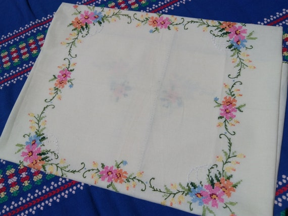 Vintage French Tablecloth Pastel Yellow Cotton Floral Needle Points Hand Embroidered Tablecloth #SophieLadyDeParis
