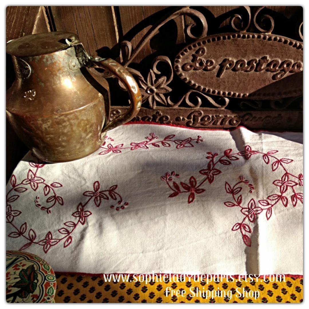 Kitchen Shelf Edging: Floral Kitchen Shelf Edging Or Runner Red Hand Embroidered