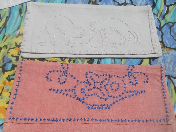 2 Napkin Cases Handmade French Pink Cotton White Linen Pouch Cats and Flowers Hand Embroidered Sewing Project #sophieladydeparis