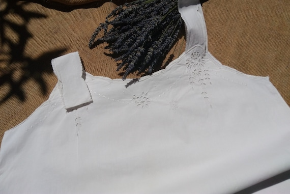 Victorian White Dress Handmade Slip Floral Cut Works and Monogram French Cotton Slip Scalloped Medium Large #sophieladydeparis