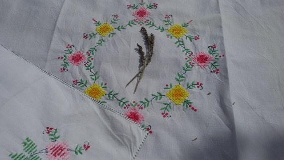 Floral Tablecloth Wreath French White Cotton Hand Embroidered Multicolored Pink Yellow Green #sophieladydeparis