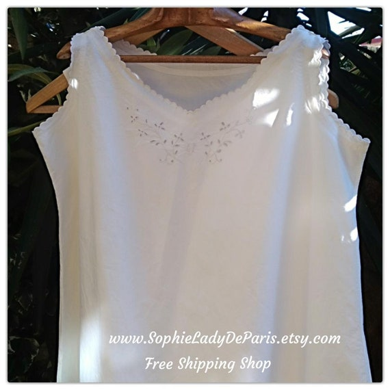 Victorian Nightgown Embroidered Scalloped Monogram White Metis Linen Floral Cut Works French Handmade Size XL/ L Ref GF5 #sophieladydeparis
