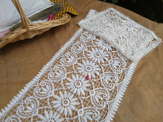 Vintage Runner Floral Lace French White Cotton Guipure or Runner Home Decor Sewing Project #sophieladydeparis