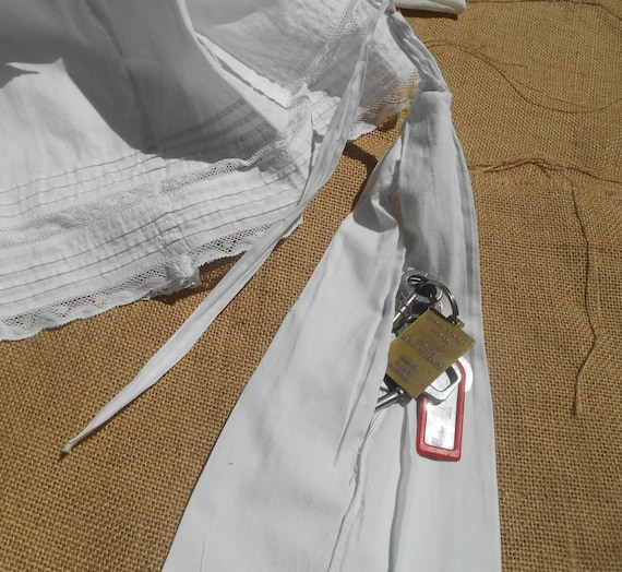 Victorian Hanging Skirt Pocket Handmade French White Cotton Collectible Costume Clothing Hanging Purse #sophieladydeparis