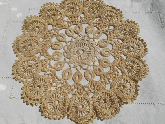 Vintage Beige Art Lace Lace Doily Cotton Round Shape Table Center Sewing Assemblage #sophieladydeparis