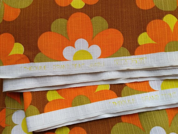 4.9 Yards Orange Fabric Large Mod 60's Flowers Canvas Unused French Ribbed Cotton Home Decor Sewing Project NOS #sophieladydeparis