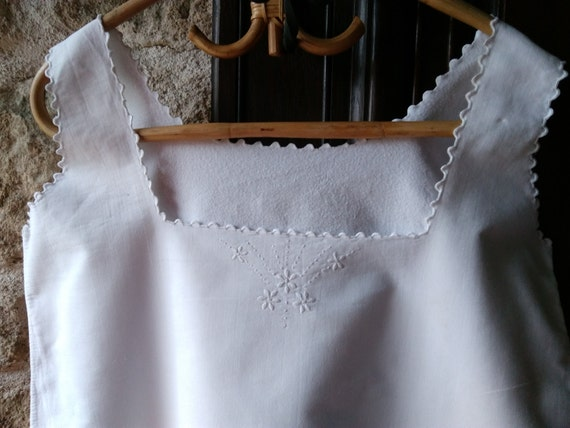 Victorian White Fleece Dress Front Floral Hand Embroidered French Cotton Nightgown or Slip Medium Large #sophieladydeparis