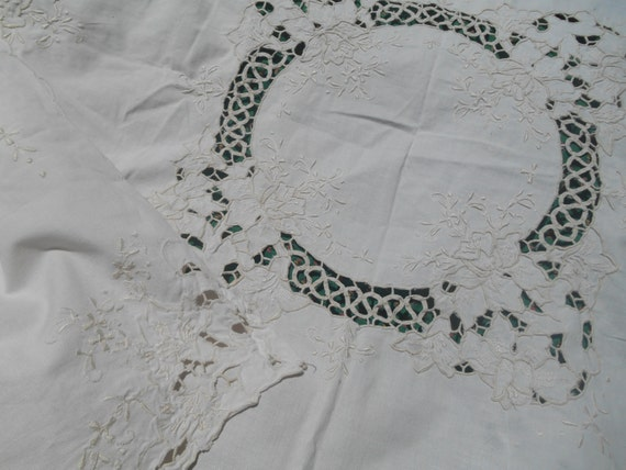 Victorian Off White French Tea Tablecloth Lace Cut Out Cotton Hand Embroidered