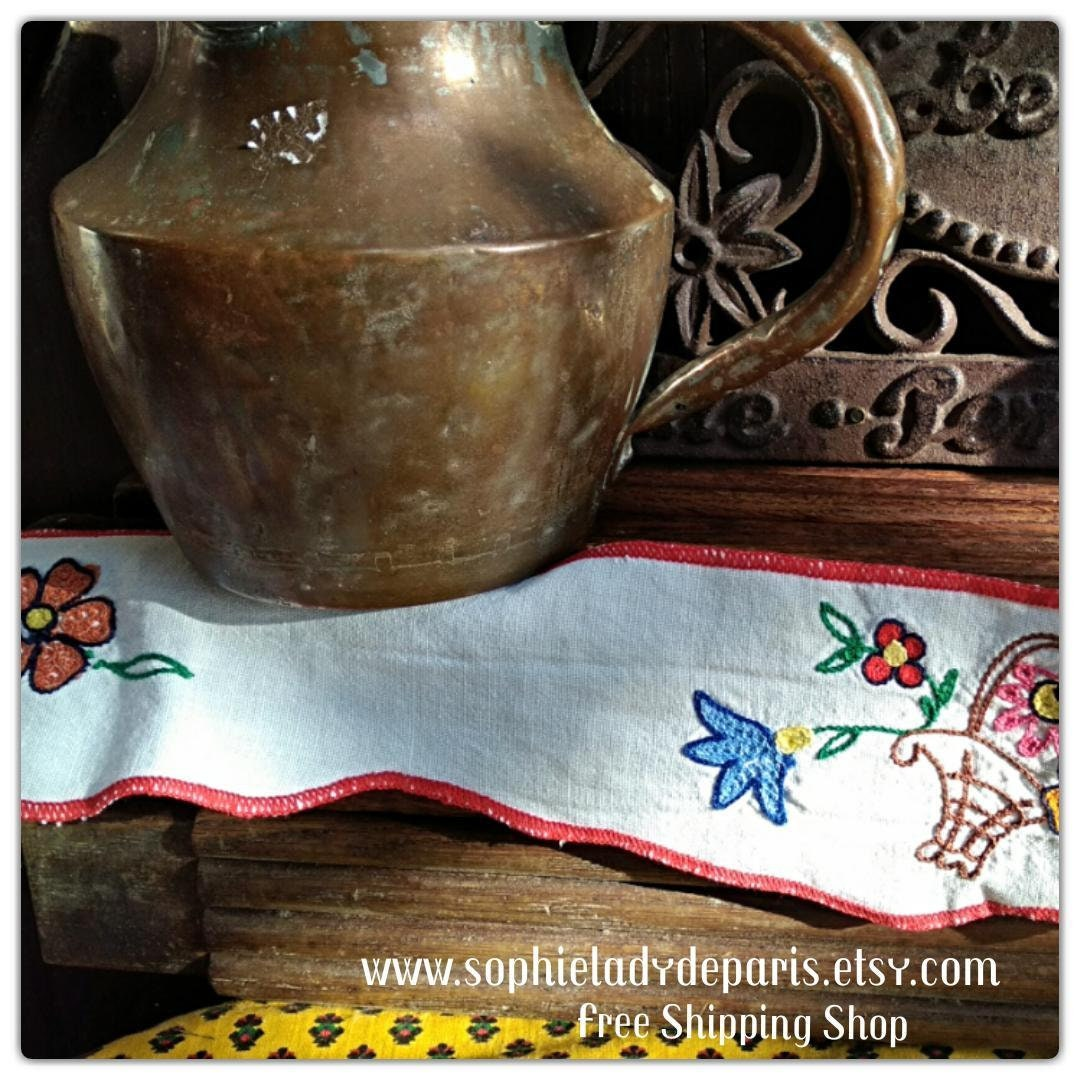 Kitchen Shelf Edging: Long Narrow White Kitchen Shelf Edging Floral Embroidered