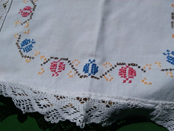 Vintage Doily 1960's Table Center Butterfly Handmade White French Cotton Lace Trim #sophieladydeparis