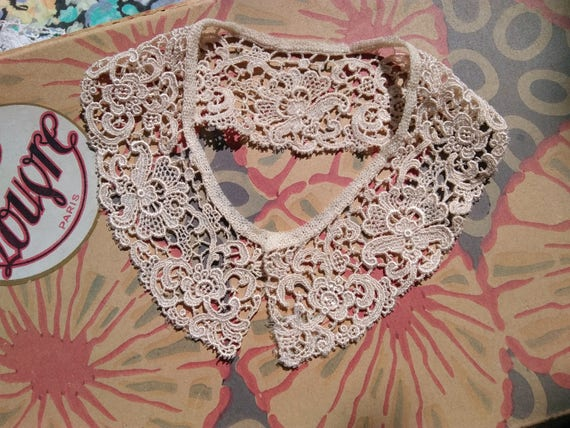 1930's Beige Floral Guipure Lace Collar Cotton Lace Bridal Collar Sewing Project #sophieladydeparis