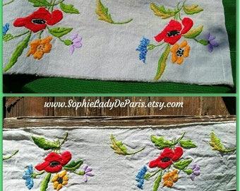 Mid-Century French Gray Linen Shelf Edging Home Decor Linen Flowers Hand Embroidered #sophieladydeparis