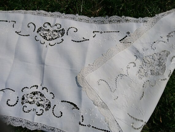 """Long Victorian Runner Linen Hand Embroidered Floral Cut Work Lace Trim Off White French Linen 53 """" Length #sophieladydeparis"""