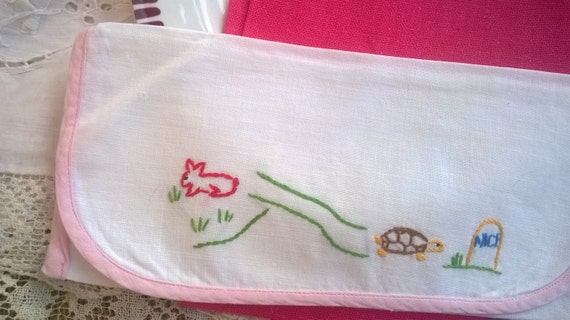 Pink Napkin Case French Handmade White Cotton Pouch Rabbit Turtle Hand Embroidered Sewing Project #sophieladydeparis