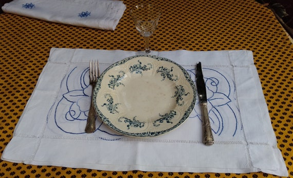 3 Placemats Unused French Linen Handmade White Hand Embroidered Blue Flowers #sophieladydeparis