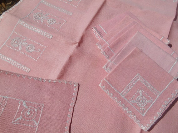 Pink Art Deco French Linen Tea Tablecloth 1930's Handmade Matching Napkins White Geometrical Hand Embroideries #sophieladydeparis