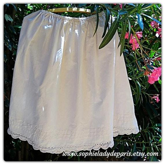Victorian Petticoat Lace Trim Pleated Bottom White French cotton Half Slip Handmade Clothing for Costumes Medium up toXL #sophieladydeparis