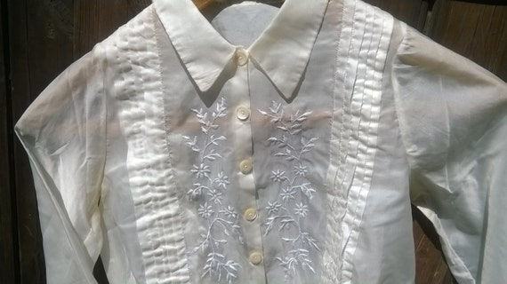 Short 1950's Nylon Blouse Handmade Cream Pleated Shirt Hand Embroidered Long Sleeve Size Small #sophieladydeparis