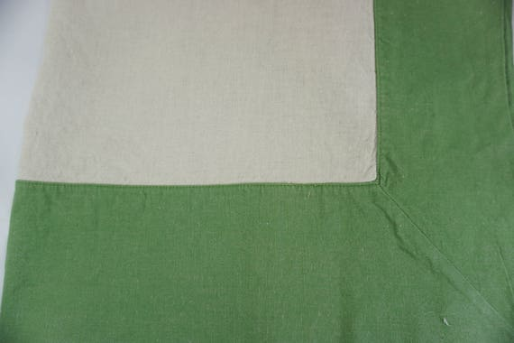 Williams Sonoma Tablecloth Linen and Cotton, Green Border, 65\
