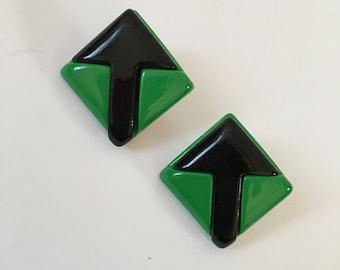 Lucite Arrow Earrings, Green Lucite Earrings, Square Lucite Earrings, Green Mod Earrings 51980's Lucite Earrings, Mod Arrow Posts, Mod Posts