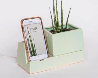 Phone Dock Planter, Mint