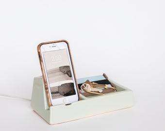 STAK Phone Dock Valet, Mint
