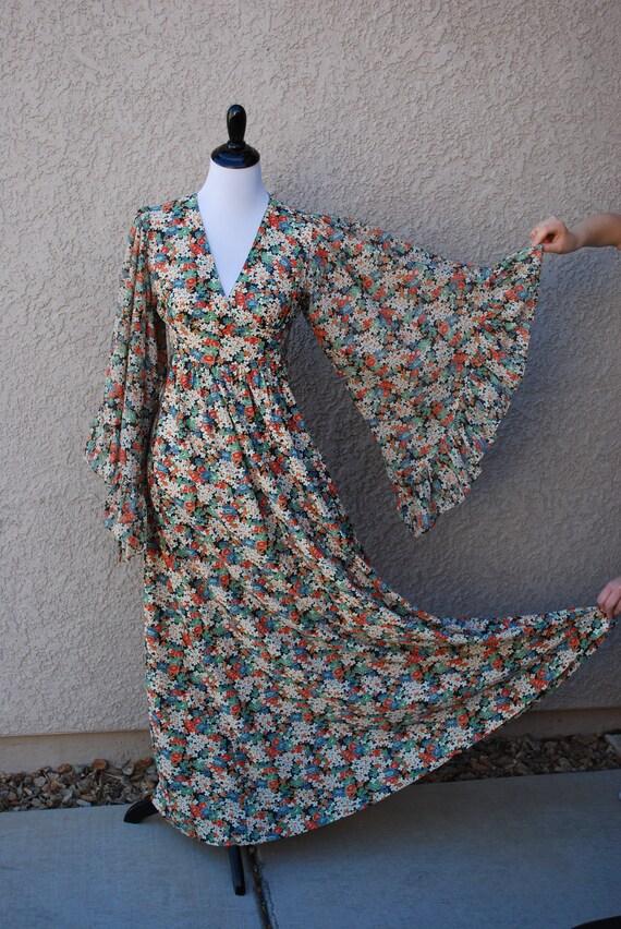 Vintage 70s Floral Maxi Dress Long Sleeve Dress