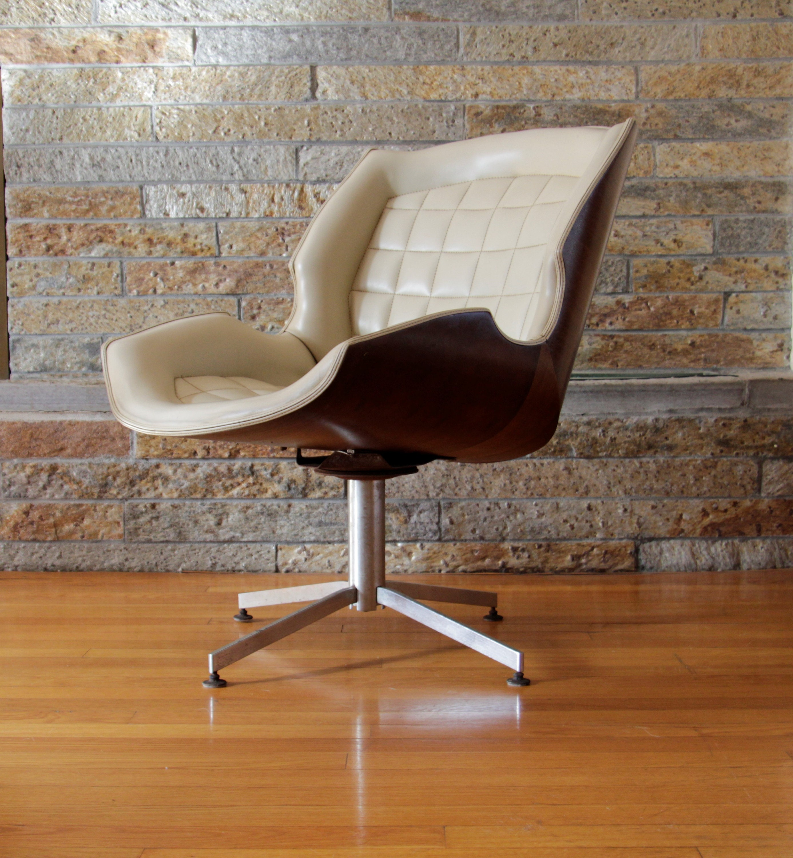 Image of: Mid Century Modern Swivel Chair By George Mulhauser Etsy