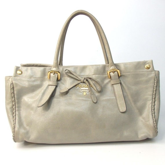 0390c3876bc ... Pink Leather $325.00 SALE!!!!! Authentic Vintage Prada Handbag Shoulder  Satchel Tote Bag Gray Leather