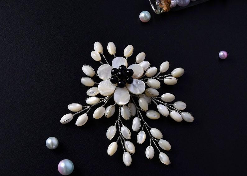 Shell Flower Brooch,Freshwater Pearl Brooch Pin,Wire Wrapped Brooch,Brooch Corsage,Blooming branch brooch,Gift For Women,Wedding party