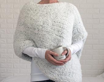 Poncho Knitting Pattern - Chunky Knit Poncho - Modern Poncho - Rectangle Poncho Knitting Pattern - Faux Fur Poncho - Winter Wonder